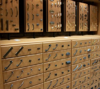 cabinet pulls knobs hardware